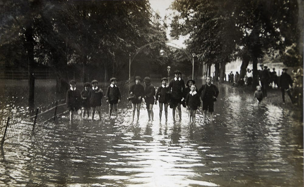 Floods Dormer Place 27 Aug1912